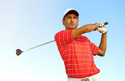Golfer Swinging Well After Shoulder Pain Chiropractic Treatments
